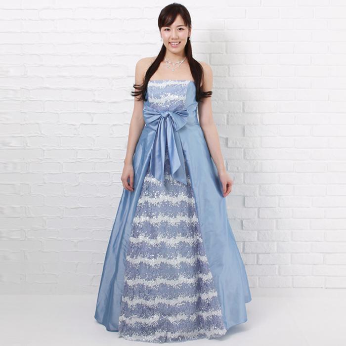 バイオリンの演奏会などに適した爽やかなスカイブルーカラードレス