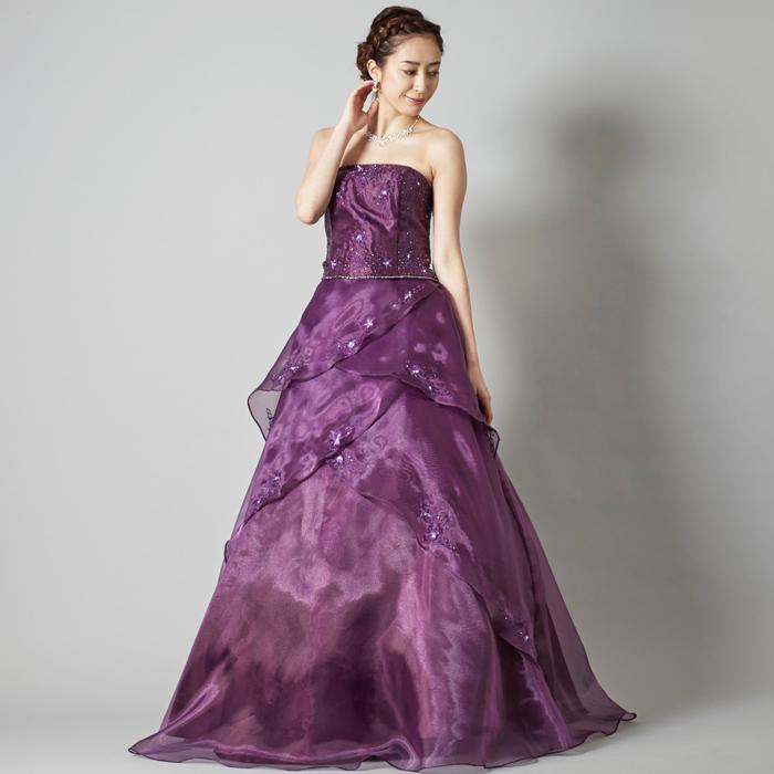 演奏会などで可愛らしさ演出パープルカラーのゴージャスなドレス