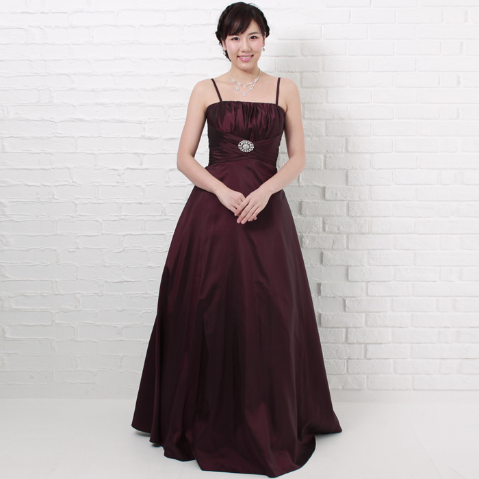 イベントに最適プラムカラーの落ち着いた印象のロングドレス