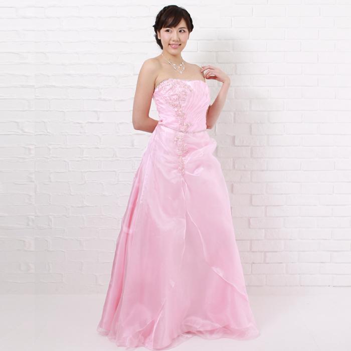 二次会などの盛り上がりイベントにピンクカラーのドレス