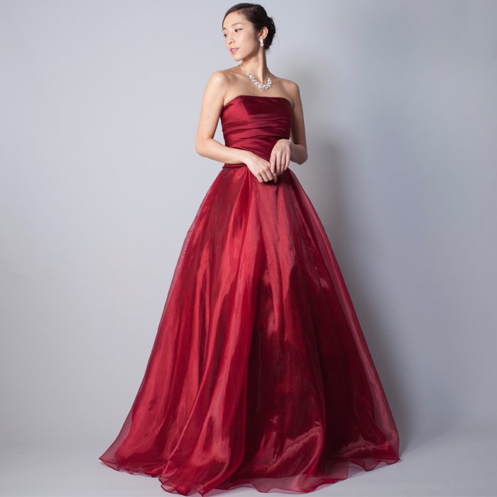 演奏会にお勧めな落ち着いたワインレッドカラーの深い色合いのカラードレス