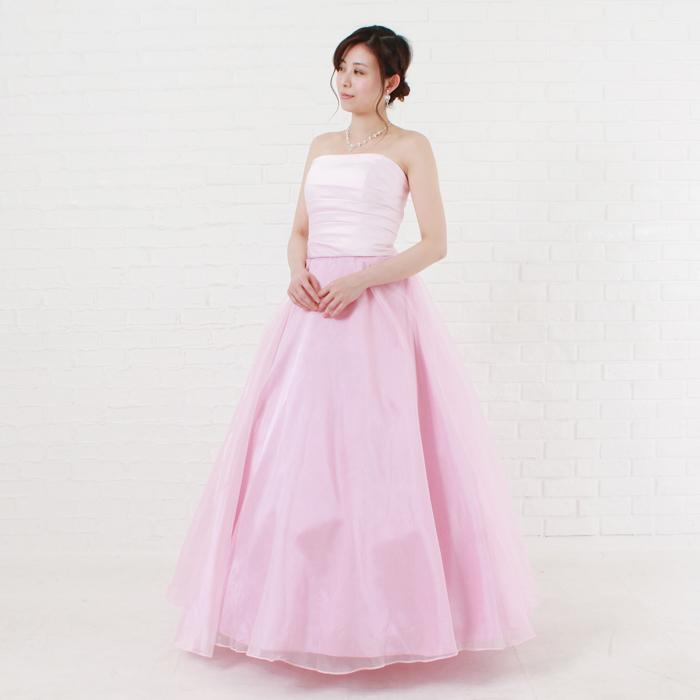 ライトピンクの可愛らしいお姫様のような演奏会向けカラードレス