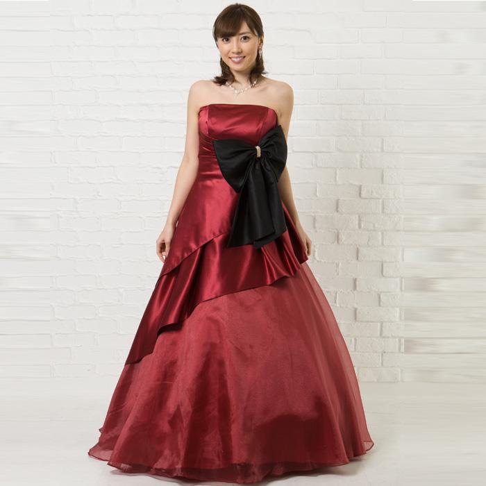 謝恩会やクリスマスシーンにオススメなワインレッドの落ち着きのあるドレス