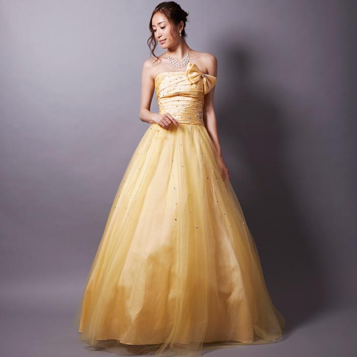 演奏会での華やかな演出のひとつに元気の出るイエローカラードレス