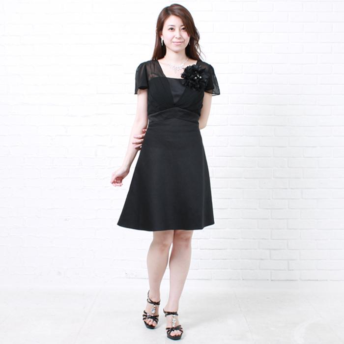 落ちついた印象で綺麗なお姉さんスタイルのショートブラックカラードレス