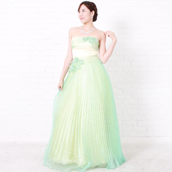 ライムグリーンカラーの奥行き感のあるロングドレス