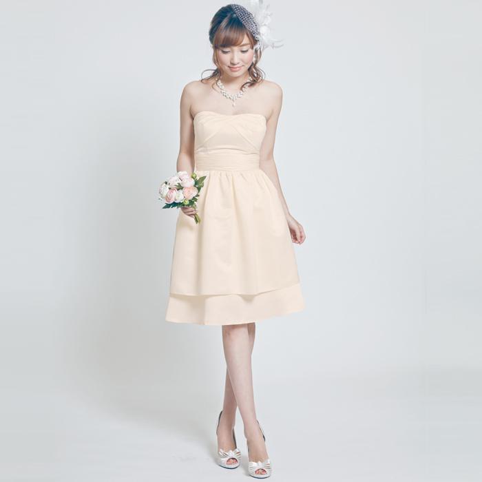 結婚式の2次会やウェディングに使える、ショートタイプのウェディングドレス