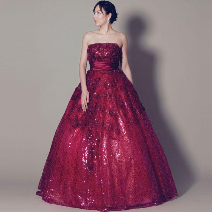 豪華なビーズの装飾が美しいワインレッドカラーのプリンセスラインドレス
