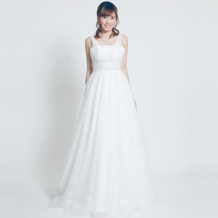 結婚式に相応しいAラインのホワイトウェディングドレス