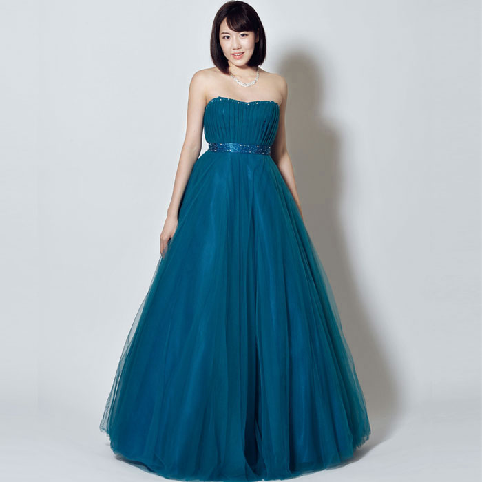 神秘的な美しさが魅力のカッコ良さと可愛さ溢れる深みのあるエメラルドグリーンロングドレス