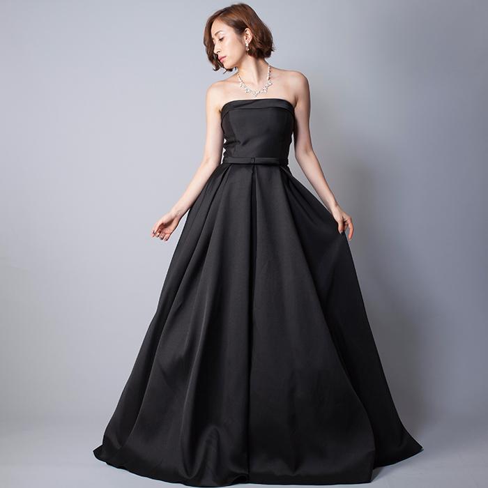 シンプルで場面を選ばない上品なブラックの演奏会ドレス