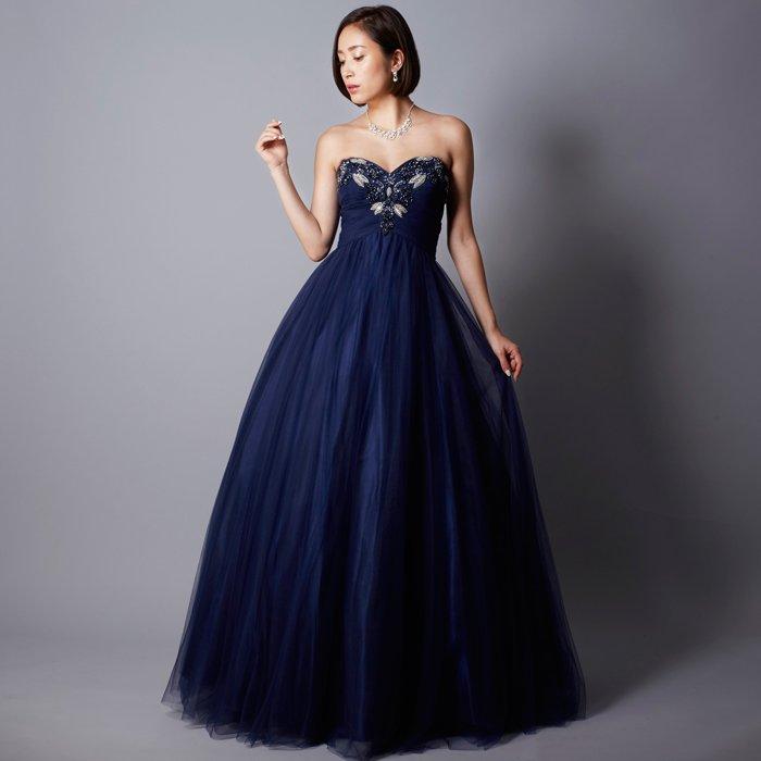 刺繍が際立つ深みあるネイビーカラーのロングドレス