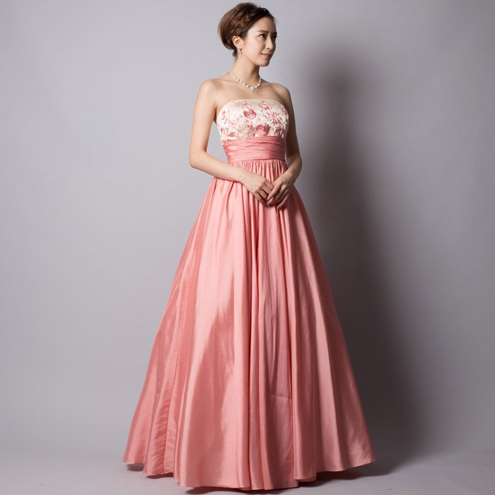 フラワー柄の刺繍がとってもキュートなサテンタフタピンクロングドレス