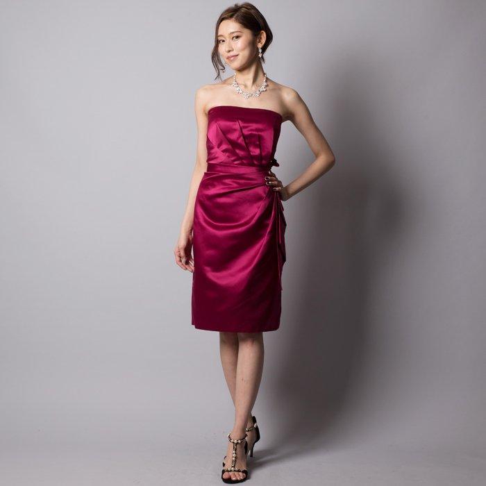 ボルドーワインのようなサテンアイラインミディアムドレス