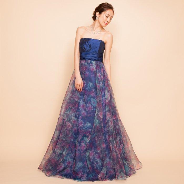 ネイビーフラワープリントでクラシックなロングドレス