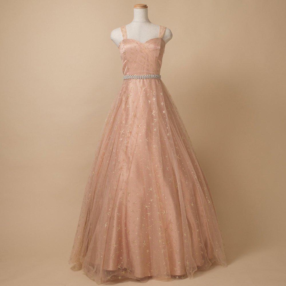 男性との演奏会でも女性らしさを演出してくれる優しい色合いのピンクとゴールドのボリュームカラードレス