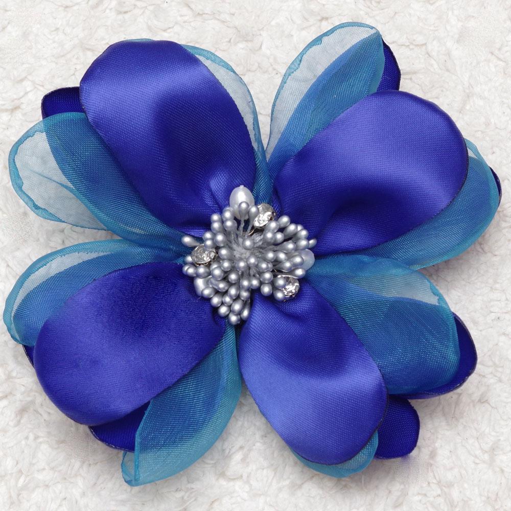 洗練されたロイヤルブルーの華やかオーガンジーコサージュ