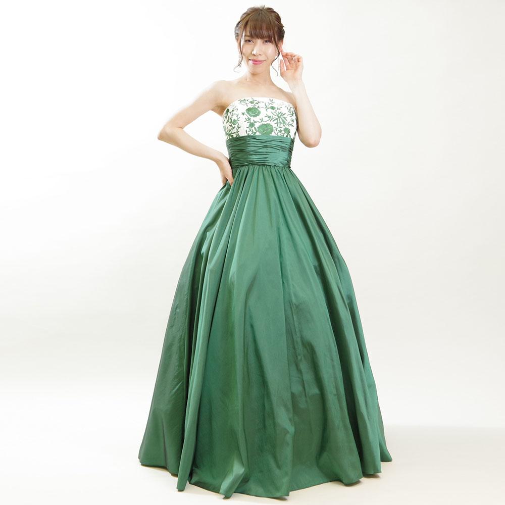 カジュアルで使いやすいグリーンティーカラーのフラワー刺繍タフタカラードレス