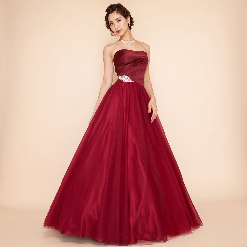 高級感のあるサテンを贅沢に使用したボリューム感抜群のワインレッドスタイリッシュドレス