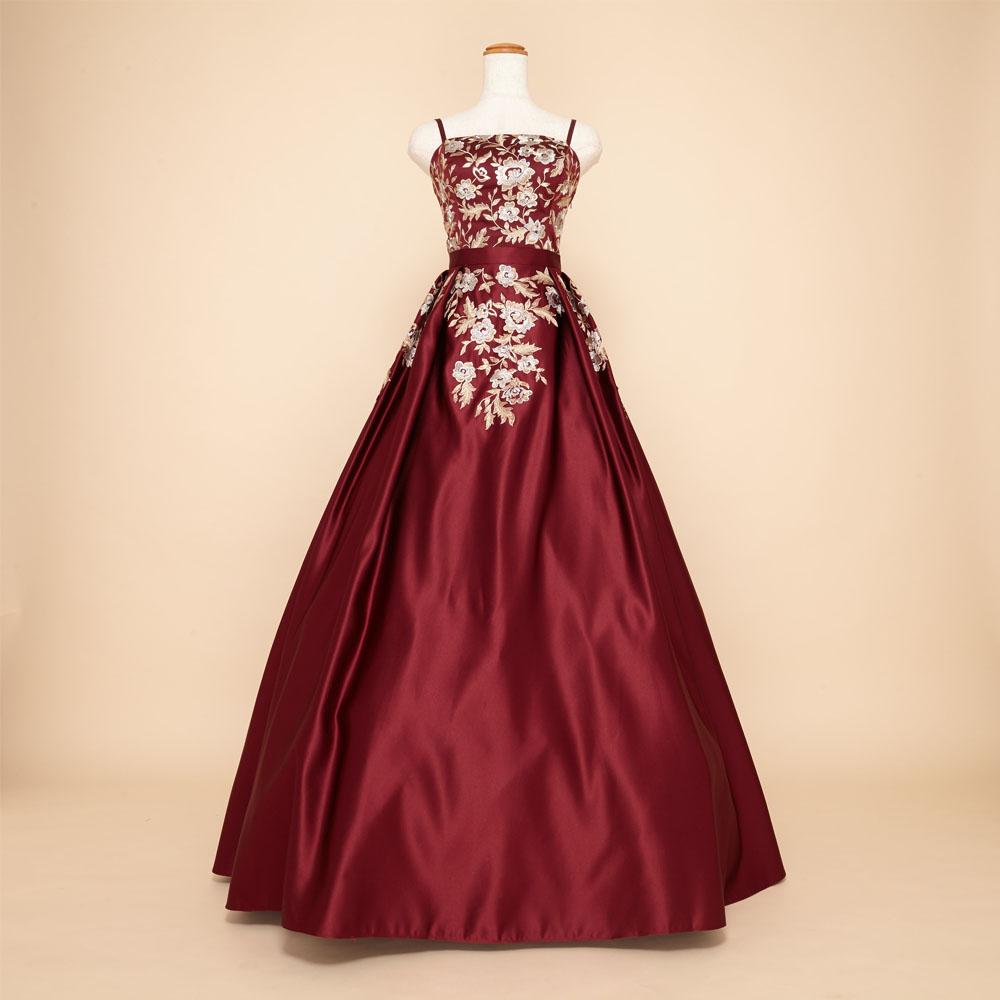 ワインレッド×ゴールドの色合いが大人でセクシーな上質サテン生地ボリュームドレス