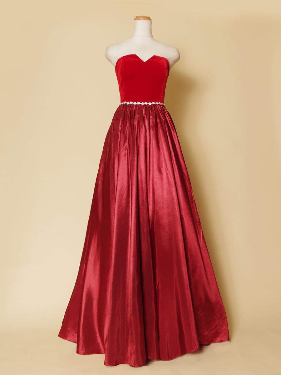 豪華でお洒落な色合いの高級感あふれるワインカラーボリュームドレス