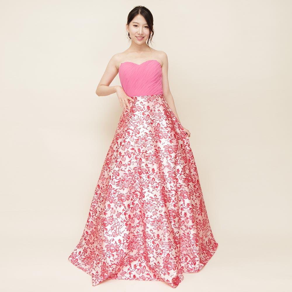 エキゾチックなピンク柄をスカートに使用したカラードレス
