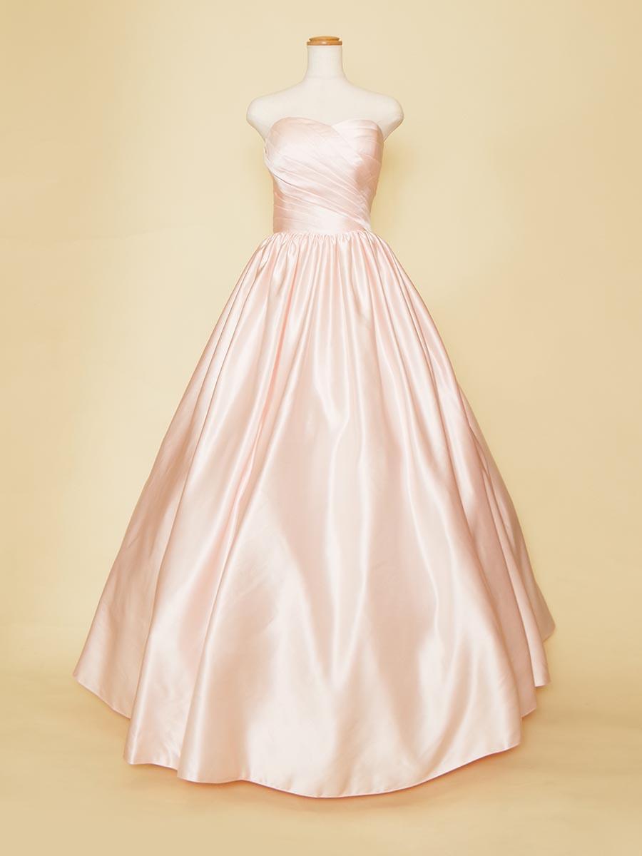 お姫様のようなベビーピンクのボリュームドレス