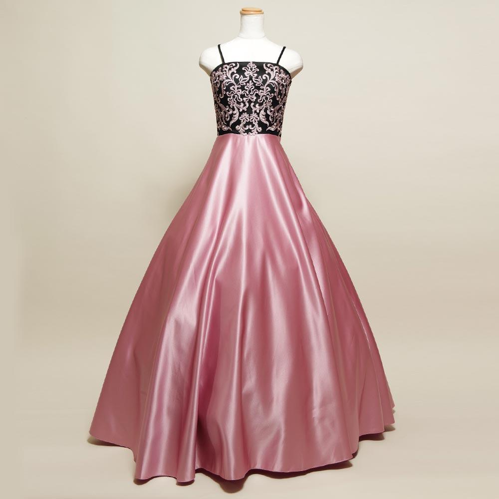 クラシックなブラックピンクレースを使用した演奏会向けカラードレス