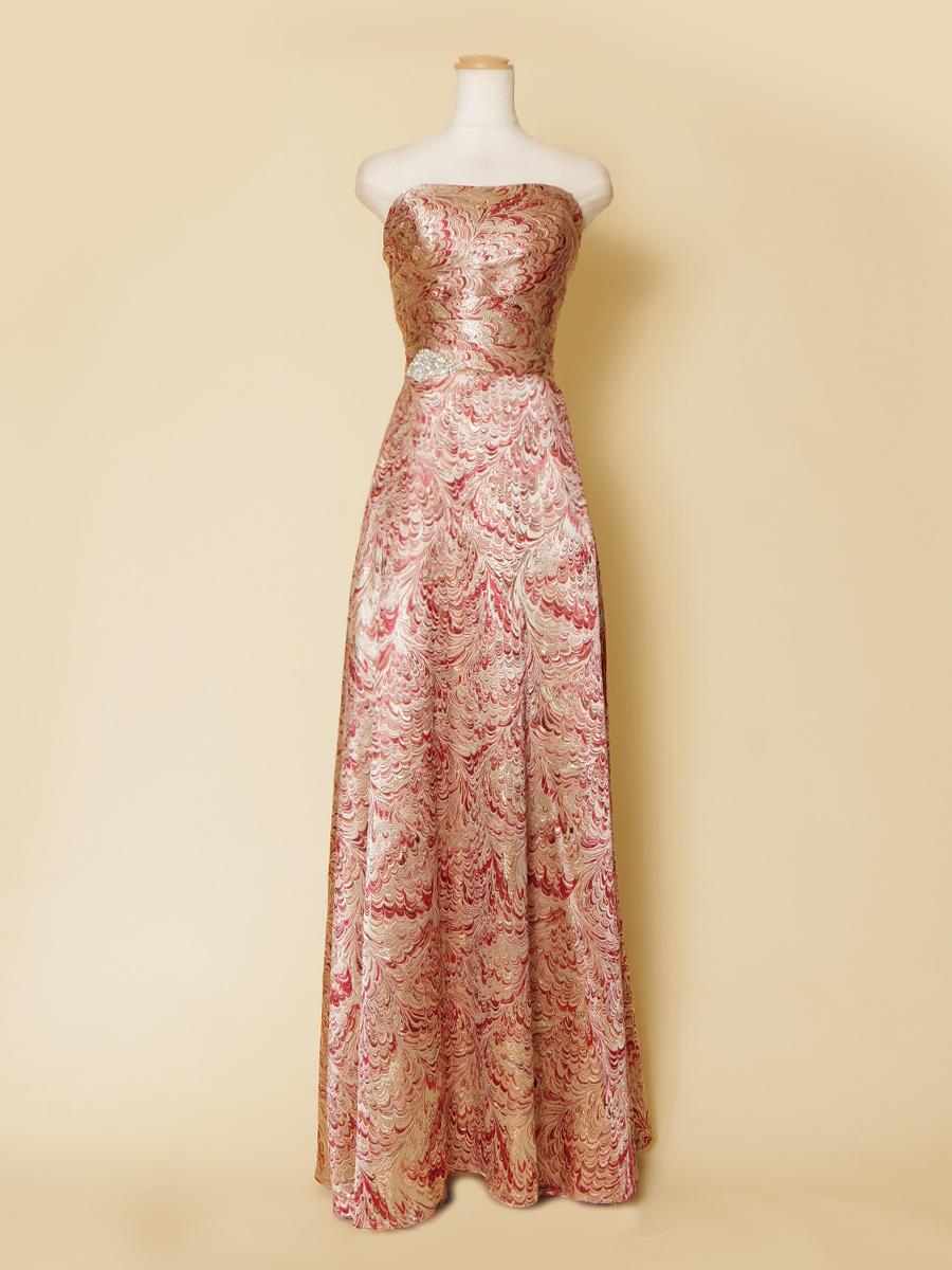 着物素材でも使われるゴールドジャガードを使用したロングドレス