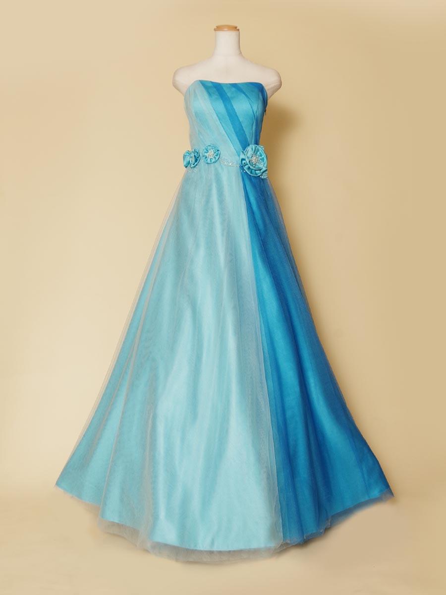 ツーカラーブルーの2色使いが涼しげなパステルロングドレス