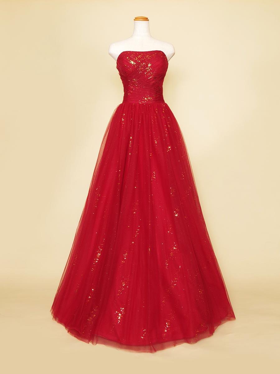 ゴージャスな雰囲気のリサイタルコンサートに最適なゴールドグリッター×レッドカラードレス