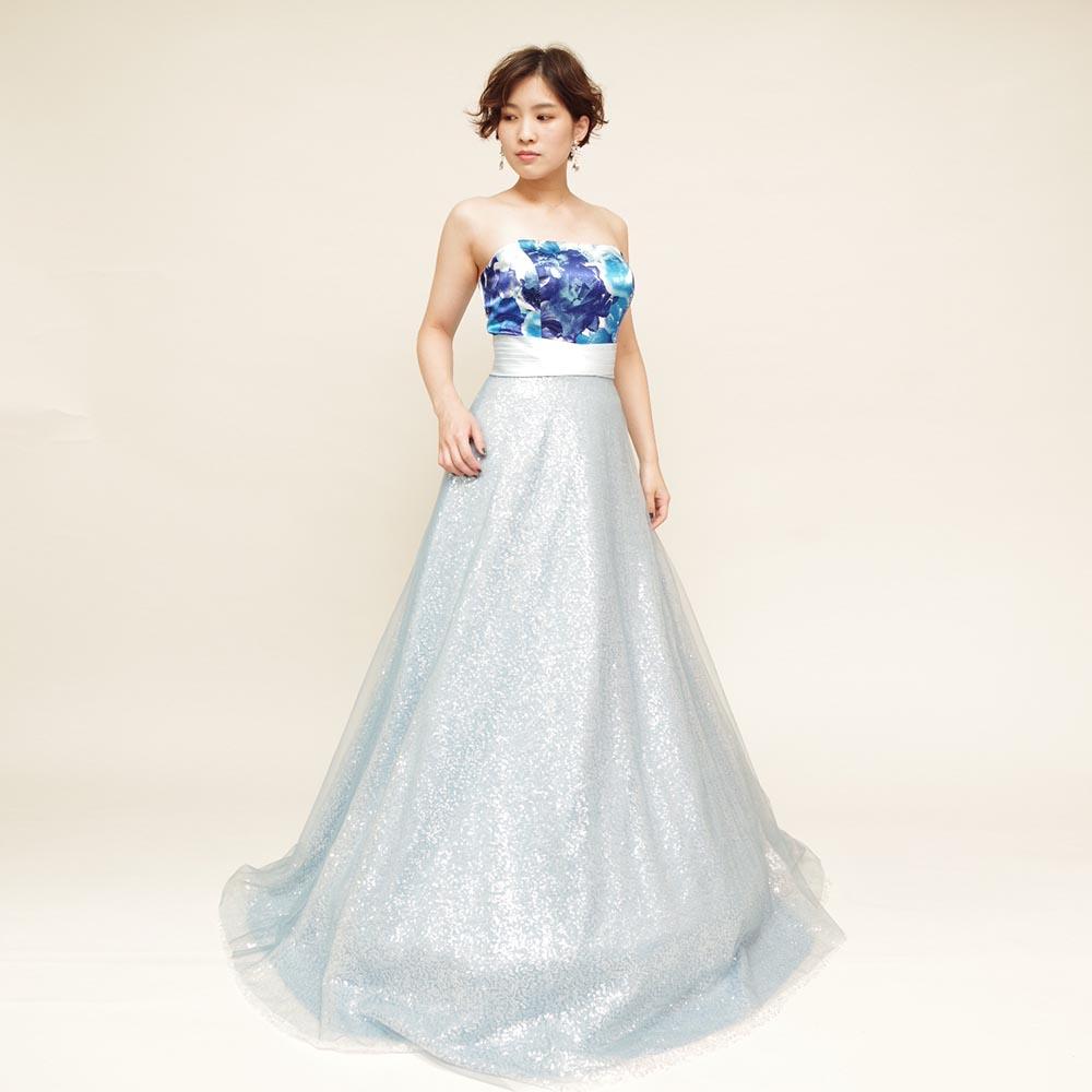 海の爽やかさを表現したスカート全体にキラキラ素材を使用したブルーロングドレス