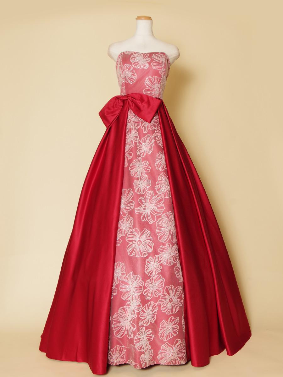 オペラの衣装にもオススメなレッドカラーのサテン×ビーズレースのゴージャスドレス