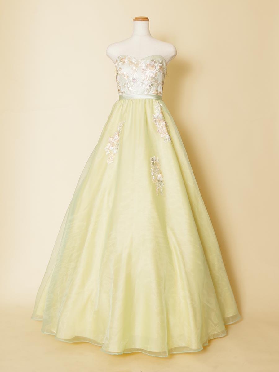 【アウトレット商品】パステルライムグリーンの胸元刺繍のボリューム演奏会ドレス