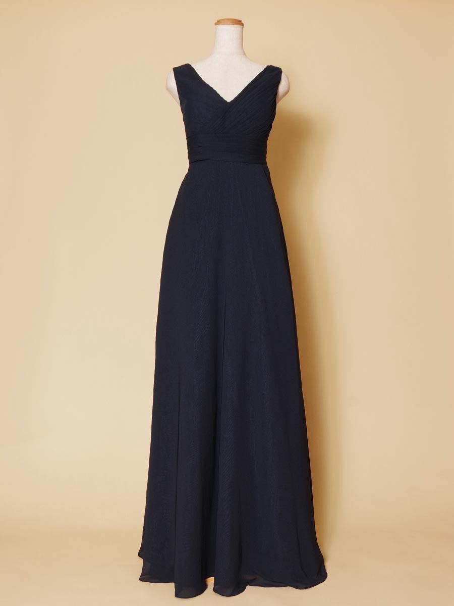 ネイビーカラーのVネックデザインが大人っぽい袖付きロングカラードレス