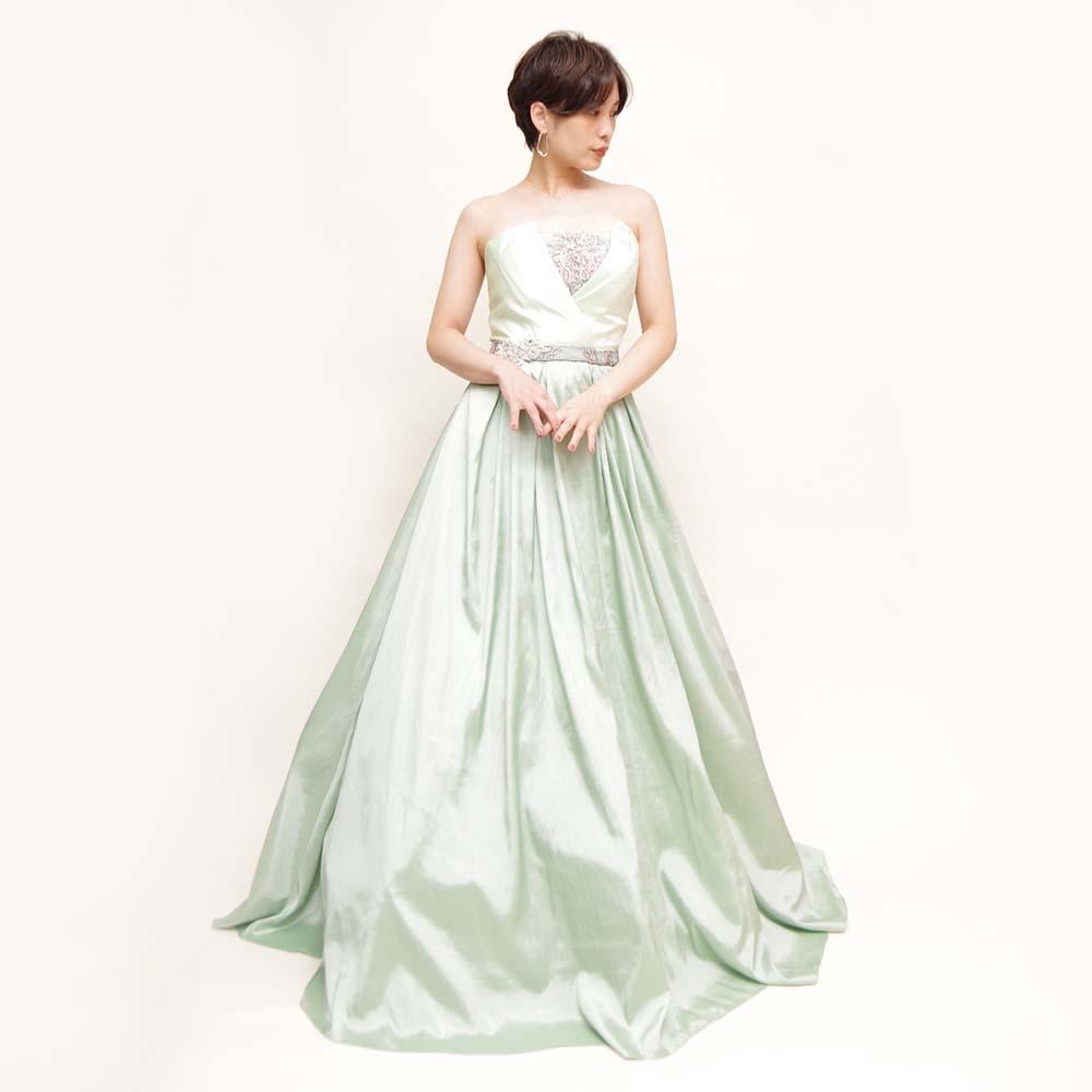 胸元Vラインデザインから花柄刺繍が覗くオリーブグリーンカラードレス