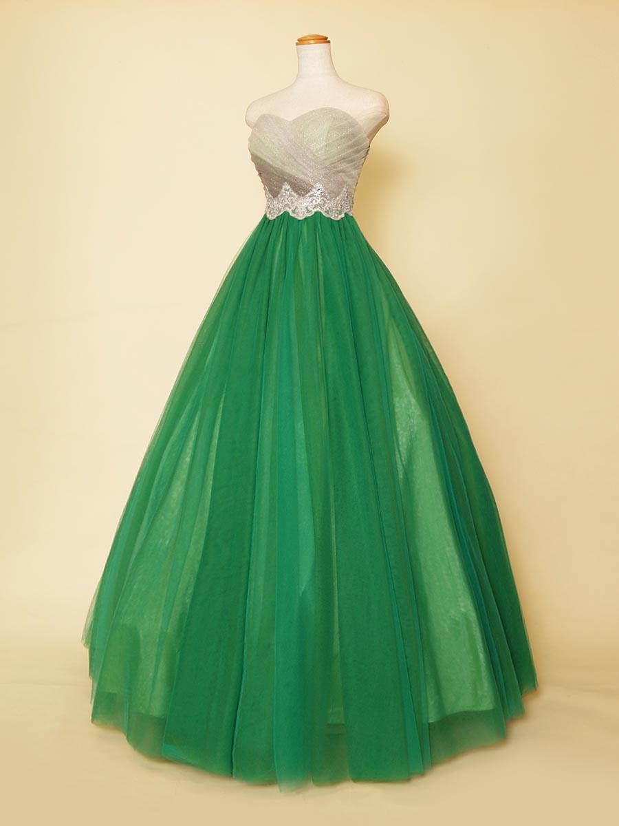中世風のドレスをイメージしたクラシックコンサート衣装向けのグリーンカラードレス