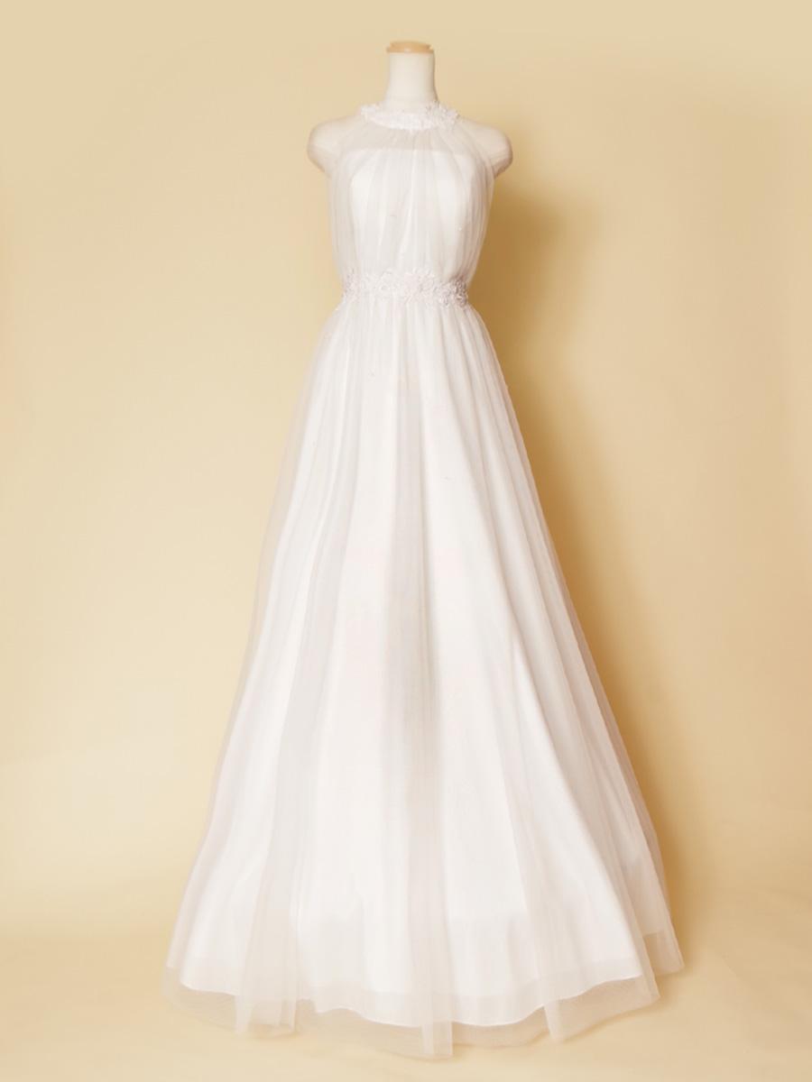 ホルターネックデザインの透明感のある美しさを持ったウェディングドレス