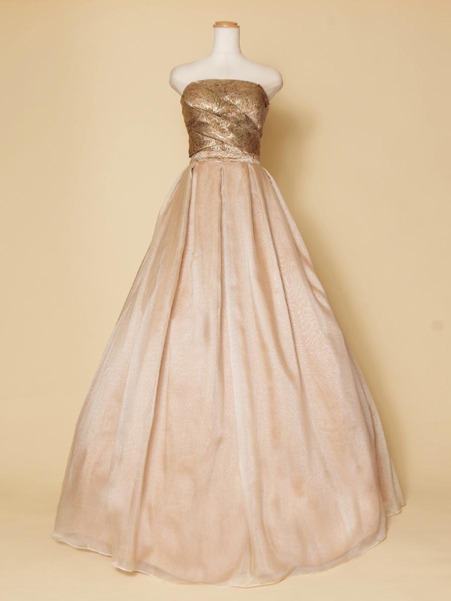 ゴールドジャガード織の上身頃がきらびやかでお洒落!オーガンジーボリュームドレス