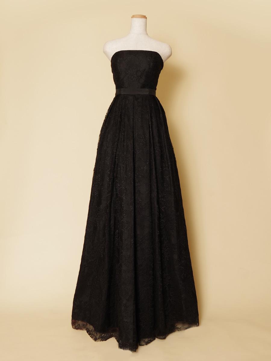 コンサートシーンで使いまわしやすい!深みのある黒の総レースデザインロングドレス