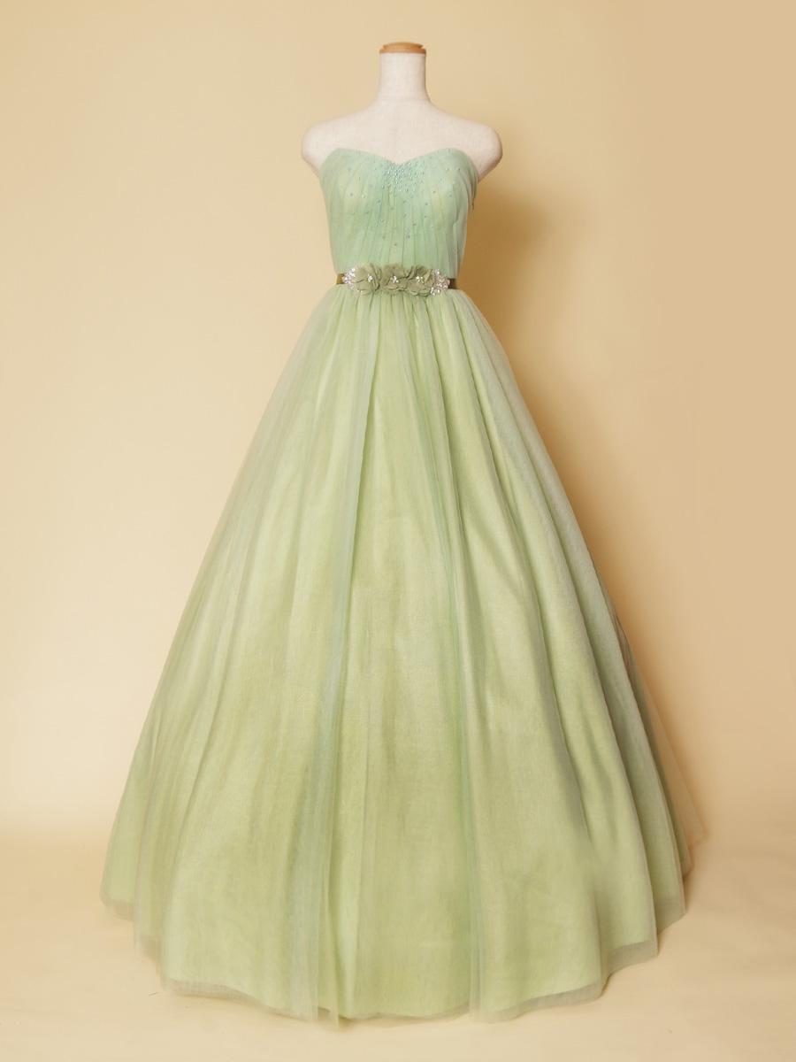 柔らかチュールで細かなタックを施したミントグリーンが爽やかな演奏会ロングドレス