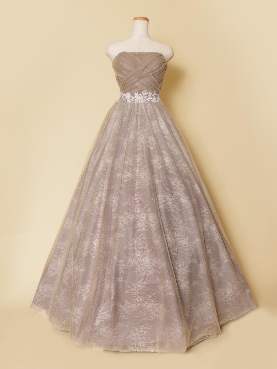 マロンケーキをイメージしてデザインしたスモーキーグレーカラーのボリュームロングドレス
