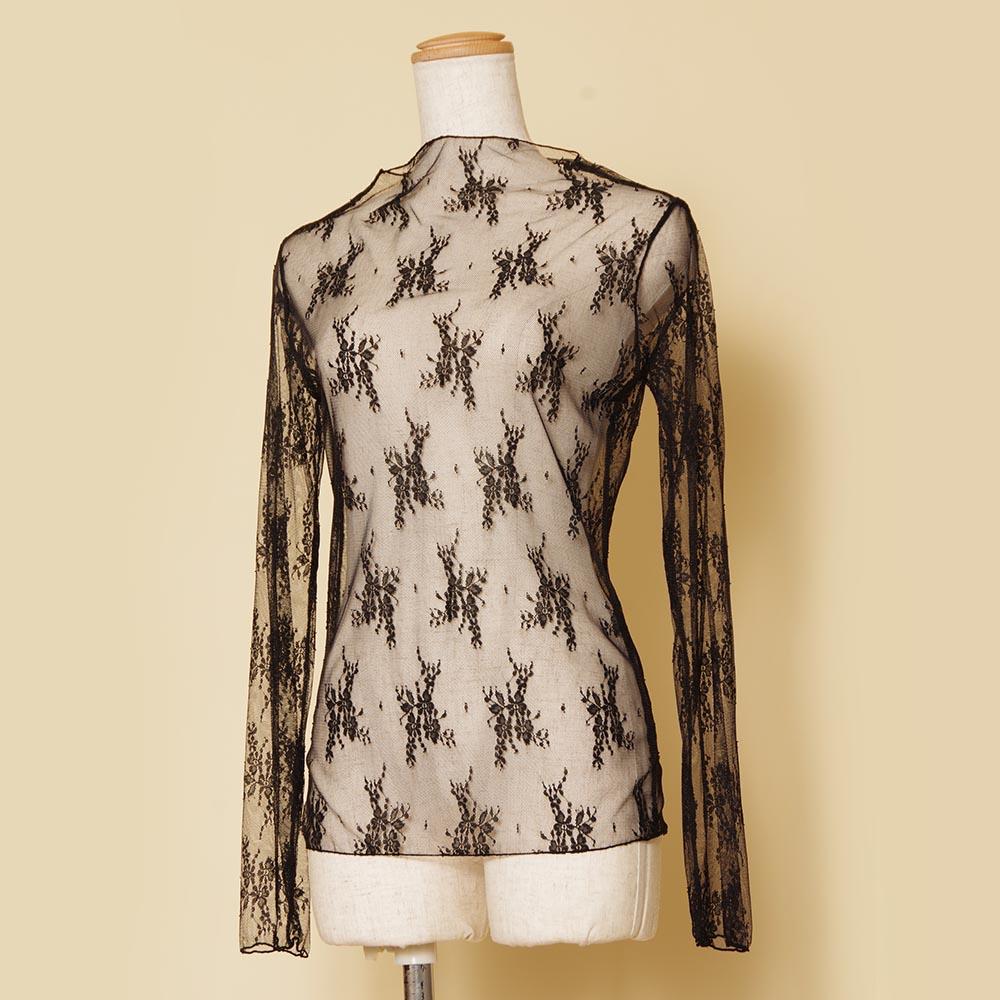 伸縮性のあるレース生地を使ったドレスとの組み合わせが大人っぽく演出できるブラック長袖ボレロ