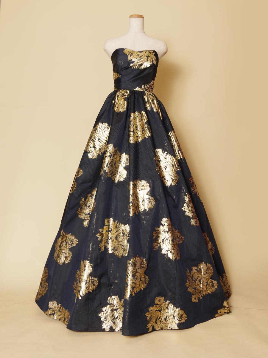 ブラックネイビーゴールドの奥深い深みと華やかさを持ったステージドレス