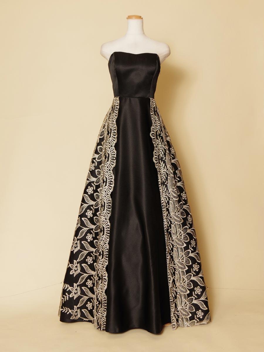 シンメトリックデザインの黒サテンにホワイトゴールドのクラシカルレースを重ねた演奏会ロングドレス