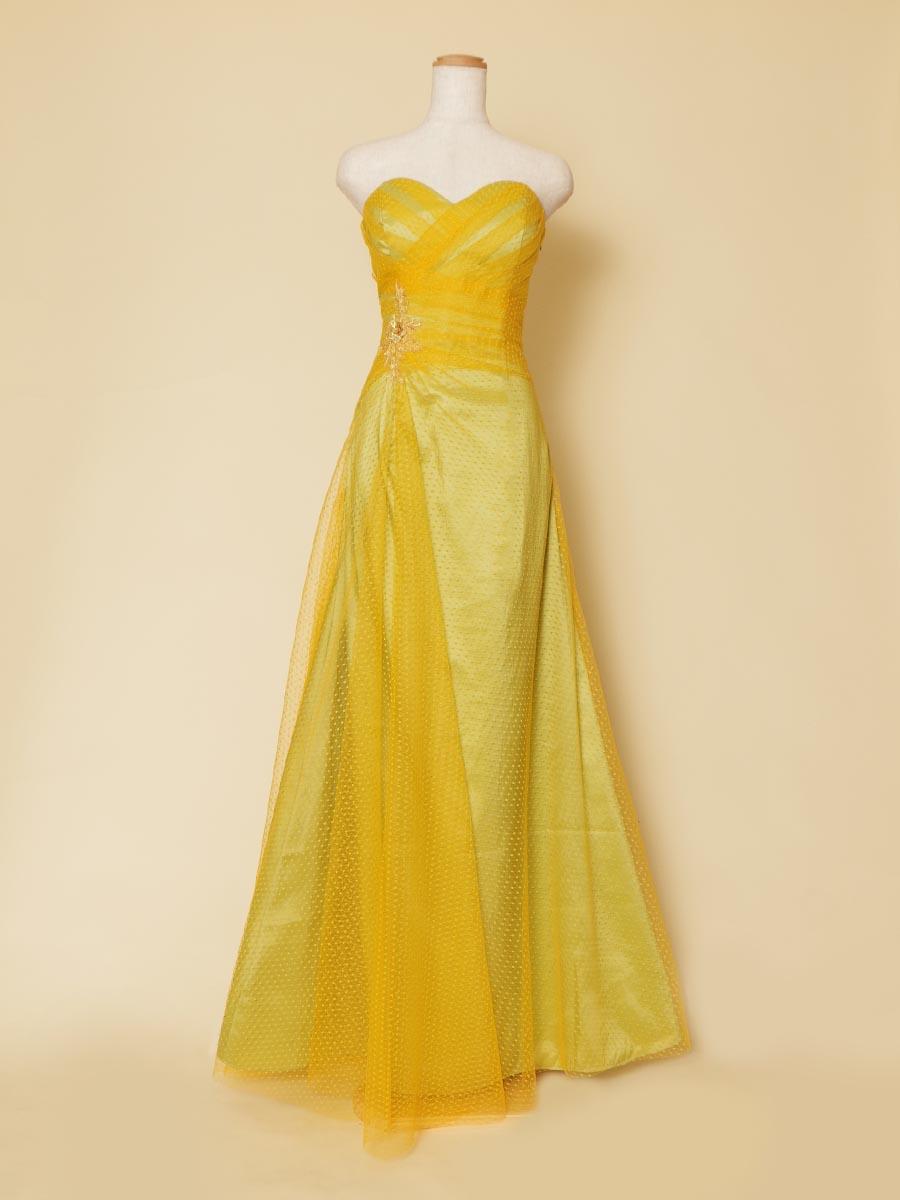 ビタミンイエローカラーのチュールレースにライムグリーンを重ね合わせた春のコンサートに最適なスレンダーロングドレス