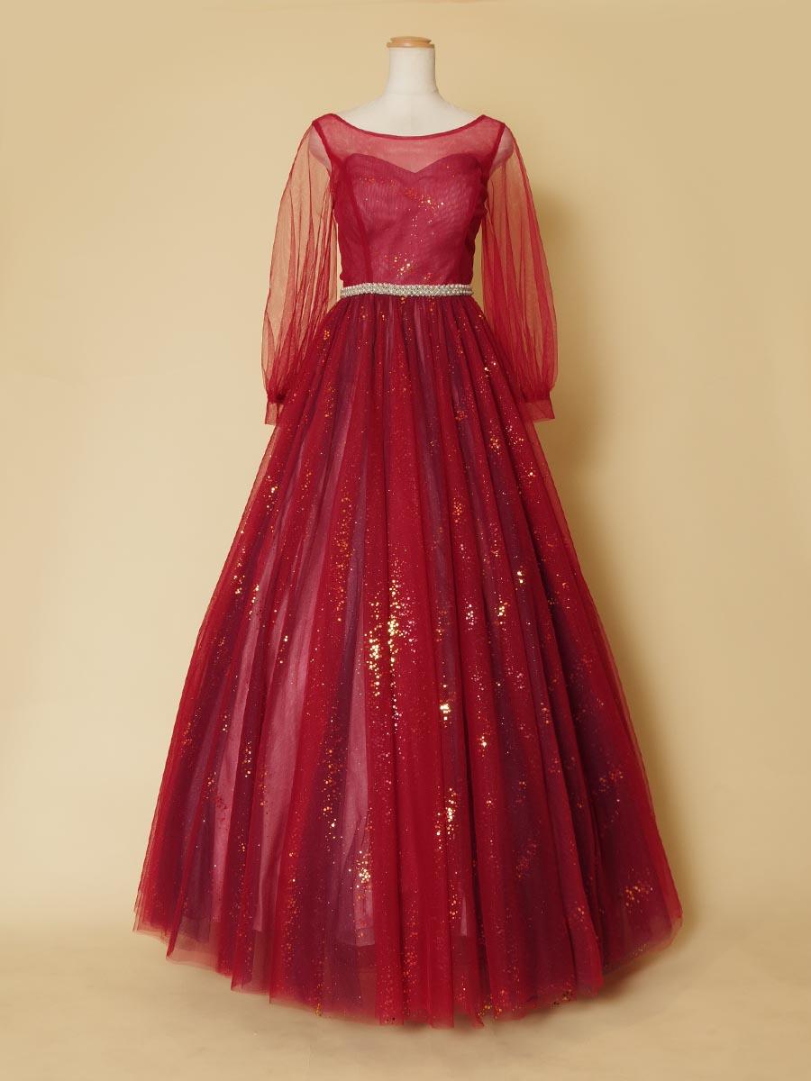 キラキラゴールドの吹きつけ生地でデザインされた華やかな長袖ボリュームレッドドレス