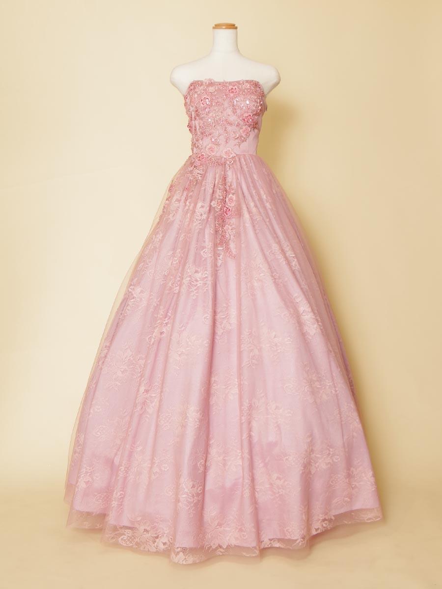 きめ細やかなレースデザインとビーズ刺繍がお姫様感を演出してくれるピンクステージドレス