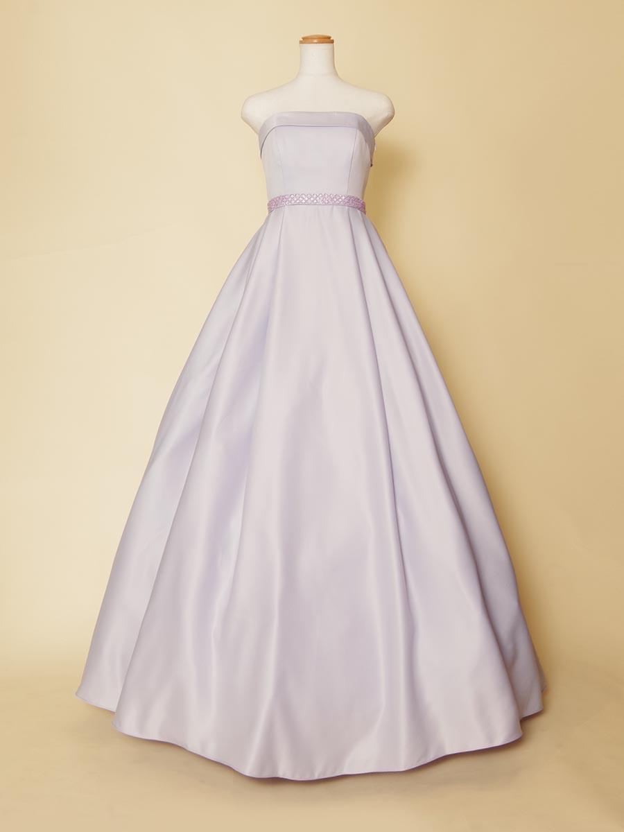 透明感のある薄いライラックカラーの上品なデザインに仕上げたサテン生地の演奏会ロングドレス