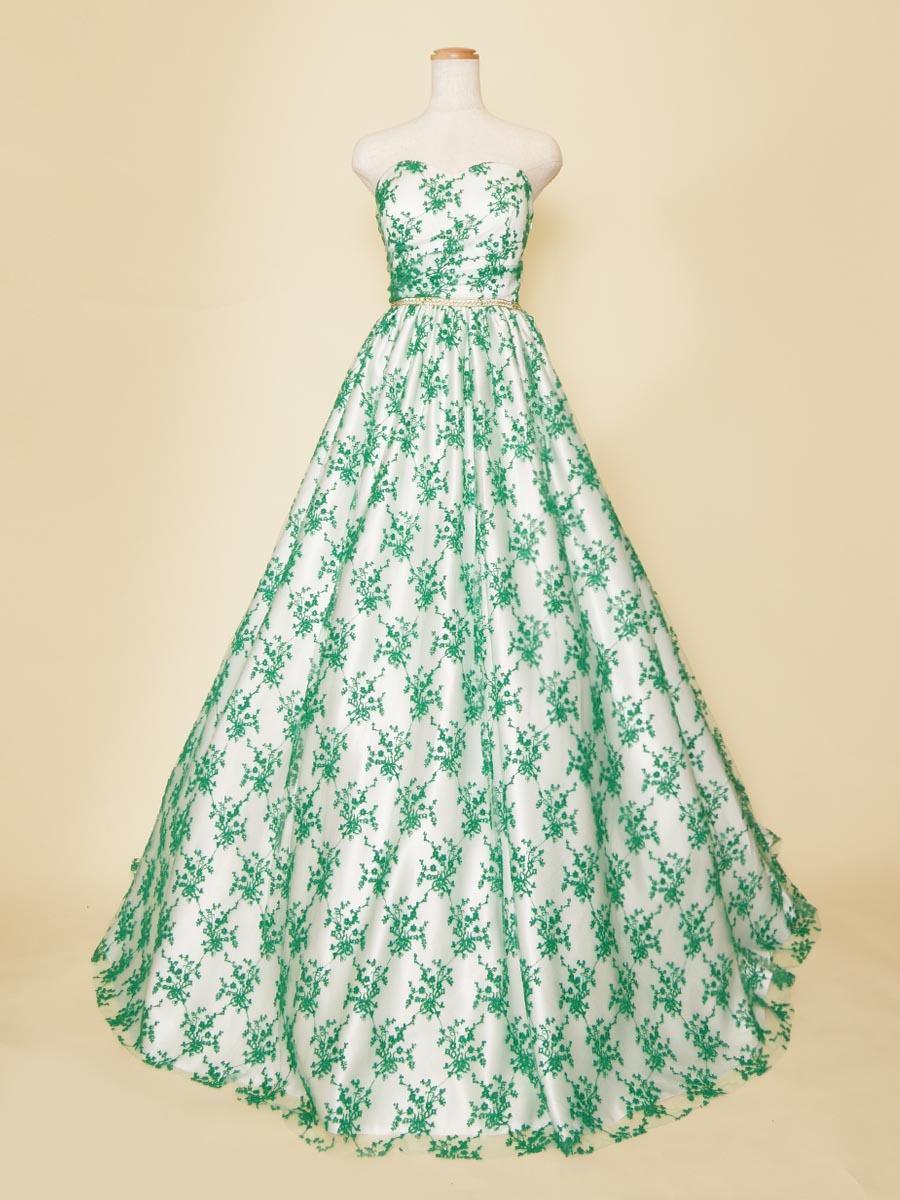 白サテンと透け感のあるグリーンレース生地を組み合わせたボリュームロングドレス